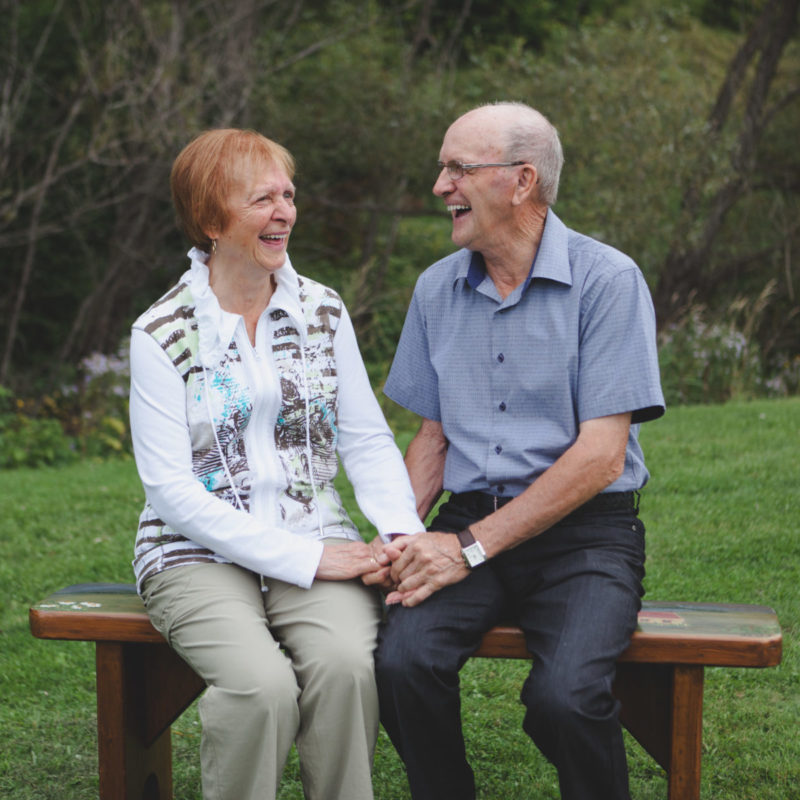 Elderly senior couple. Grandparents romantic portraits. Photos de couple grands-parents