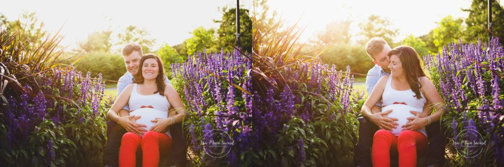 Maternity session at the park golden hour warm light sitting by flowers Jarry Park Montreal. Séance maternité lifestyle au Parc Jarry à Montréal |Lisa-Marie Savard Photographie |Montréal, Québec |www.lisamariesavard.com