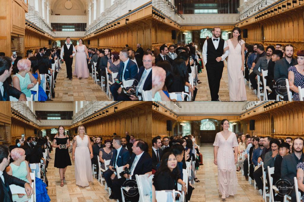 Rustic wedding rainy day ceremony inside small chapel welcome sign. Julie et Denis mariage champêtre rustique à l'Abbaye d'Oka cérémonie chapel Espace Carpe Diem Montréal Laurentides |Lisa-Marie Savard Photographie |Montréal, Québec