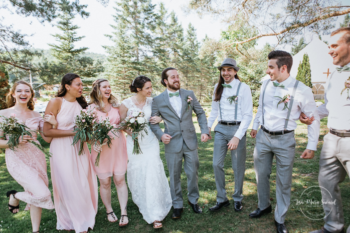 Small wedding party photos outside on the venue property. Bridal party photos ideas. Fun bridal party ideas. Simple intimate wedding in Quebec City. Outdoor wedding in Quebec City. Quebec City wedding photographer. Mariage au Manoir du Lac Delage. Mariage à Québec. Photographe de mariage à Québec. Mariage Lac Delage   Lisa-Marie Savard Photographie  Montréal, Québec   www.lisamariesavard.com