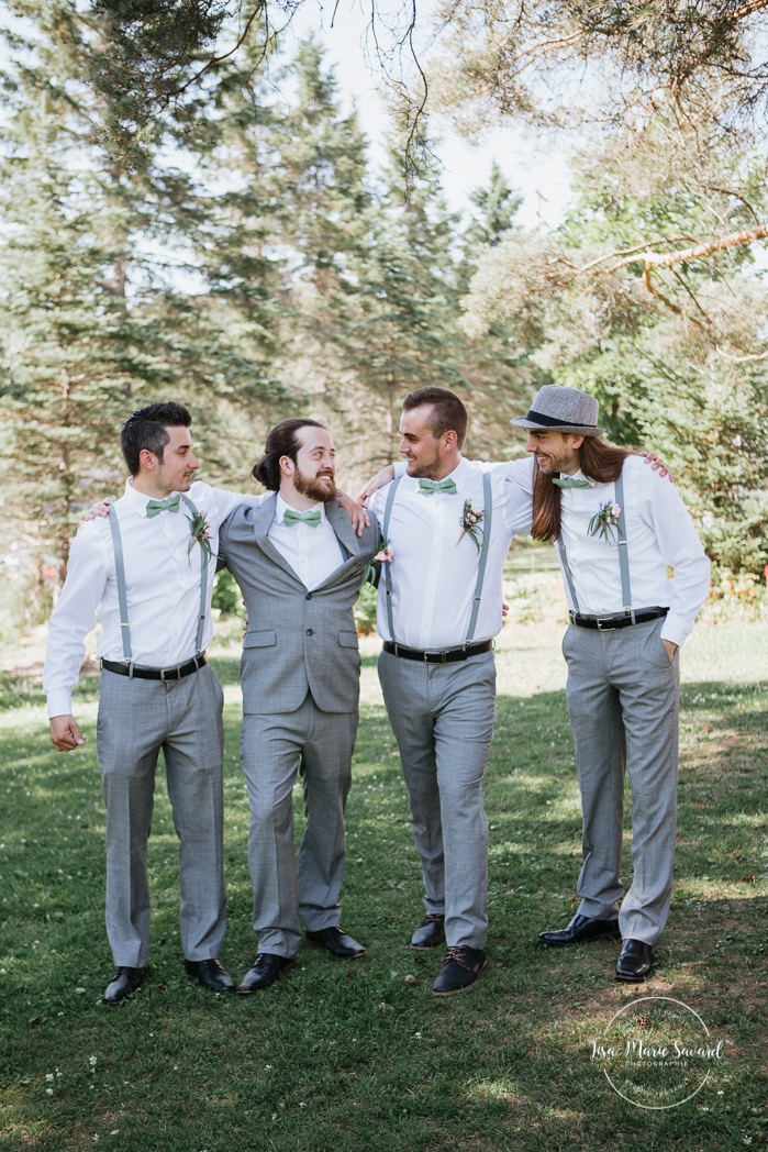 Groom with groomsmen. Small wedding party photos outside on the venue property. Bridal party photos ideas. Fun bridal party ideas. Simple intimate wedding in Quebec City. Outdoor wedding in Quebec City. Quebec City wedding photographer. Mariage au Manoir du Lac Delage. Mariage à Québec. Photographe de mariage à Québec. Mariage Lac Delage | Lisa-Marie Savard Photographie | Montréal, Québec | www.lisamariesavard.com