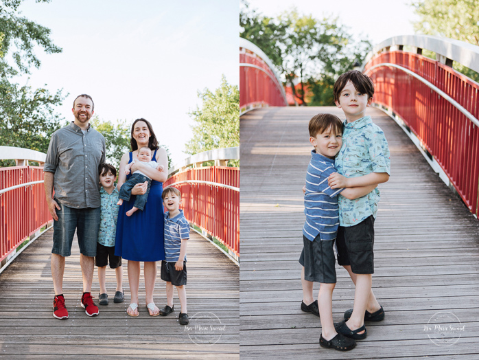 Family photos on a bridge. Outdoor family photos. Photographe de famille à Verdun. Verdun family photographer.