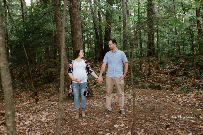 Forest maternity photos. Photos de maternité à Saint-Jérôme. Parc régional de la Rivière du Nord. Montreal maternity photographer