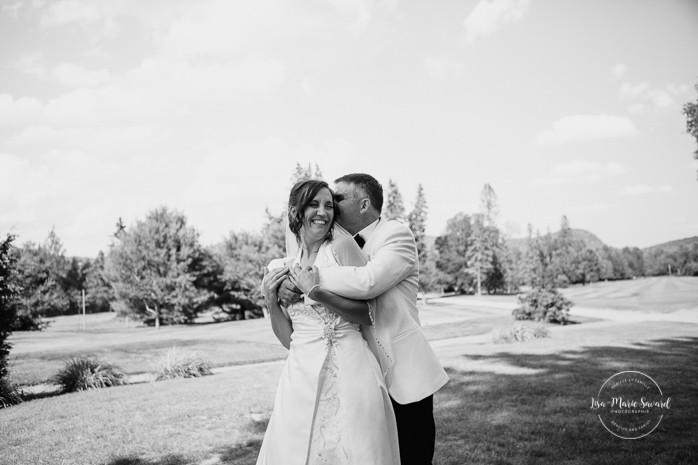 Golf club wedding photos. Mariage à Sainte-Agathe-des-Monts. Mariage an golf de Val-Morin. Photographe de mariage dans les Laurentides. Laurentians wedding photographer.