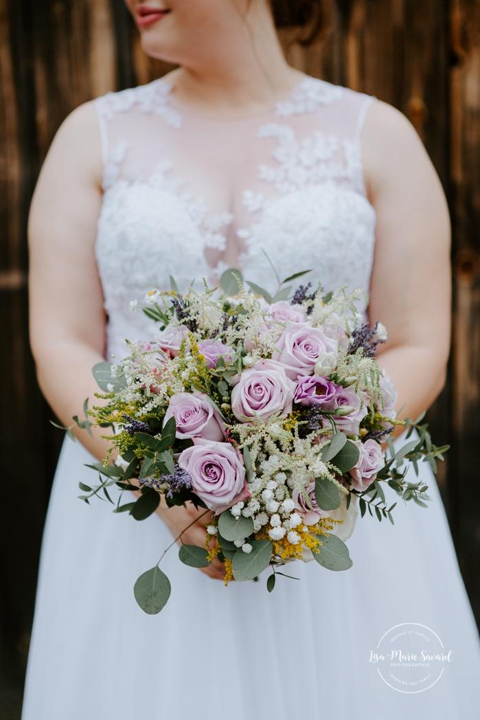 Bride and groom individual portraits. Photos de mariage rustique à la campagne. Photographe de mariage à Trois-Rivières