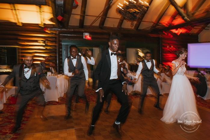 Bride and groom first dance. Salle Héritage. Mariage en Outaouais. Outaouais wedding. Ottawa photographer.