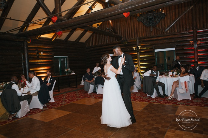 Bride and groom first dance. Salle Héritage. Mariage en Outaouais. Outaouais wedding. Ottawa photographer.