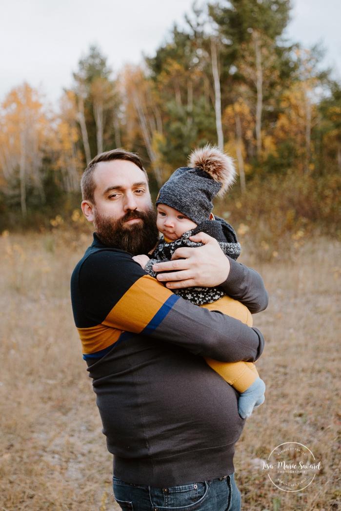 Family photos with girl and boys. Fall mini session. Fall family photos. Photos d'automne à Jonquière. Photographe de famille au Saguenay.