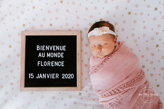 Lifestyle newborn session with big sister. Birth announcement with felt letter board. Séance nouveau-né à Saint-Bruno-de-Montarville. Photographe de famille en Montérégie. Montreal South Shore family photographer. Montreal lifestyle newborn photographer.