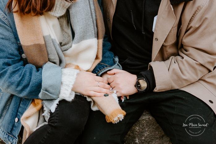 Fall engagement session. Fall engagement photos. Couple holding hands and showing engagement ring. Photos de fiançailles dans le Vieux-Beloeil. Photographe mariage Mont-Saint-Hilaire. South Shore engagement photographer. South Shore wedding photographer.